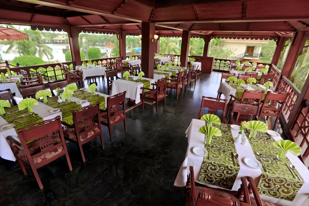 Lake Palace Resort Alleppey Restaurant